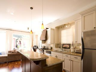 Photo 6: 280 E 16TH Avenue in Vancouver: Main House 1/2 Duplex for sale (Vancouver East)  : MLS®# V849607
