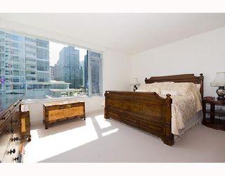 """Photo 7: 502 1169 W CORDOVA Street in Vancouver: Coal Harbour Condo for sale in """"ONE HARBOUR GREEN"""" (Vancouver West)  : MLS®# V723186"""
