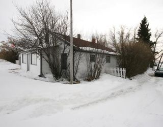 Photo 9: 215 Railway Avenue: Dalemead Residential Detached Single Family for sale : MLS®# C3365011