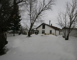 Photo 2: 215 Railway Avenue: Dalemead Residential Detached Single Family for sale : MLS®# C3365011