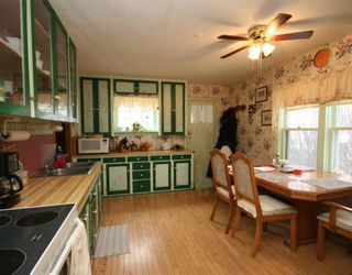 Photo 5: 215 Railway Avenue: Dalemead Residential Detached Single Family for sale : MLS®# C3365011