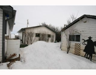 Photo 3: 215 Railway Avenue: Dalemead Residential Detached Single Family for sale : MLS®# C3365011
