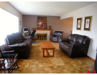 """Photo 3: 15141 DOVE Place in Surrey: Bolivar Heights House for sale in """"BIRDLAND"""" (North Surrey)  : MLS®# F2905291"""