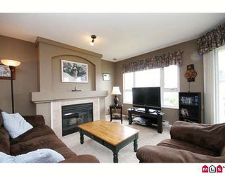 "Photo 4: 312 20125 55A Avenue in Langley: Langley City Condo for sale in ""BLACKBERRY LANE II"" : MLS®# F2915691"