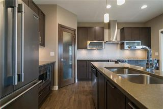Photo 4: 46 Wainwright Crescent in Winnipeg: River Park South Residential for sale (2F)  : MLS®# 1932243
