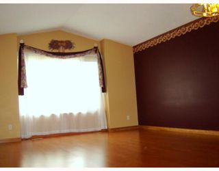 Photo 8: 50 BURDICK Place in WINNIPEG: Maples / Tyndall Park Residential for sale (North West Winnipeg)  : MLS®# 2915872