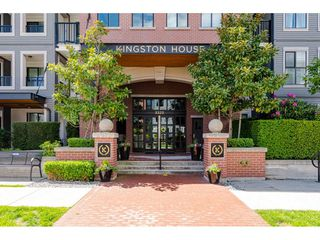 """Main Photo: 204 3323 151 Street in Surrey: Morgan Creek Condo for sale in """"Harvard Gardens"""" (South Surrey White Rock)  : MLS®# R2458064"""