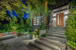 Photo 1: 4067 W 33RD Avenue in Vancouver: Dunbar House for sale (Vancouver West)  : MLS®# R2460530