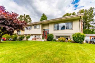 Photo 1: 45499 LEWIS Avenue in Chilliwack: Chilliwack N Yale-Well House for sale : MLS®# R2462795