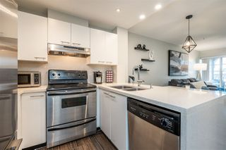 "Photo 8: 404 1989 DUNBAR Street in Vancouver: Kitsilano Condo for sale in ""SONESTA"" (Vancouver West)  : MLS®# R2464322"