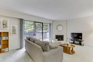 """Photo 2: 3813 PENTLAND Court in Burnaby: Government Road Townhouse for sale in """"WILTSHIRE VILLAGE"""" (Burnaby North)  : MLS®# R2469995"""