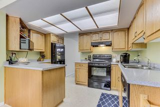 """Photo 10: 3813 PENTLAND Court in Burnaby: Government Road Townhouse for sale in """"WILTSHIRE VILLAGE"""" (Burnaby North)  : MLS®# R2469995"""