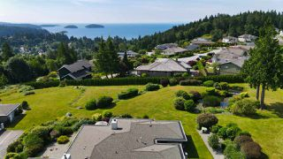 """Photo 32: 8 554 EAGLECREST Drive in Gibsons: Gibsons & Area Townhouse for sale in """"Georgia Mirage"""" (Sunshine Coast)  : MLS®# R2474537"""