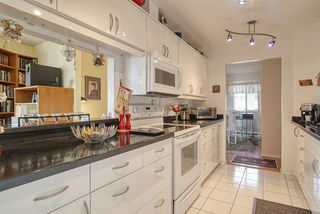 """Photo 16: 8 554 EAGLECREST Drive in Gibsons: Gibsons & Area Townhouse for sale in """"Georgia Mirage"""" (Sunshine Coast)  : MLS®# R2474537"""