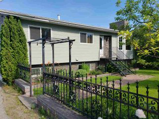 Photo 1: 7875 THOMPSON Drive in Prince George: Parkridge Manufactured Home for sale (PG City South (Zone 74))  : MLS®# R2481934