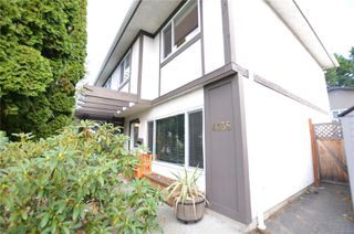 Photo 3: 4039 Magdelin St in : SE Gordon Head Half Duplex for sale (Saanich East)  : MLS®# 858974