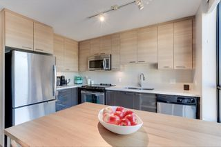 "Main Photo: 404 258 SIXTH Street in New Westminster: Uptown NW Condo for sale in ""258 Development"" : MLS®# R2521657"