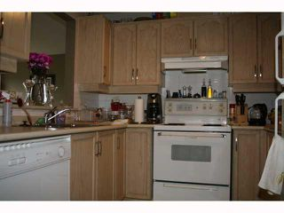 Photo 3: 401 6740 STATION HILL Court in Burnaby: South Slope Condo for sale (Burnaby South)  : MLS®# V834452