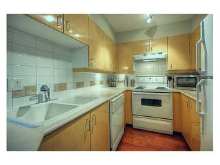 "Photo 3: 215 2680 W 4TH Avenue in Vancouver: Kitsilano Condo for sale in ""STAR OF KISILANO"" (Vancouver West)  : MLS®# V852528"