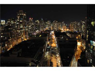 "Photo 2: 2006 388 DRAKE Street in Vancouver: Downtown VW Condo for sale in ""GOVERNORS TOWER"" (Vancouver West)  : MLS®# V865201"