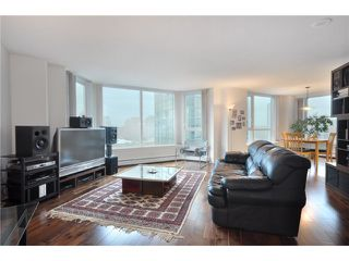 "Photo 7: 2006 388 DRAKE Street in Vancouver: Downtown VW Condo for sale in ""GOVERNORS TOWER"" (Vancouver West)  : MLS®# V865201"