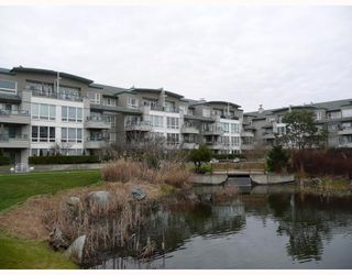 "Photo 1: 303 5800 ANDREWS Road in Richmond: Steveston South Condo for sale in ""THE VILLAS AT SOUTHCOVE"" : MLS®# V737479"
