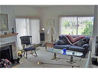 Photo 2:  in VICTORIA: SE Quadra Condo for sale (Saanich East)  : MLS®# 436511