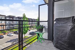 Photo 7: 301 20058 Fraser Hwy in Langley: Langley City Condo for sale : MLS®# R2375899