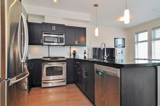 Photo 3: 301 20058 Fraser Hwy in Langley: Langley City Condo for sale : MLS®# R2375899