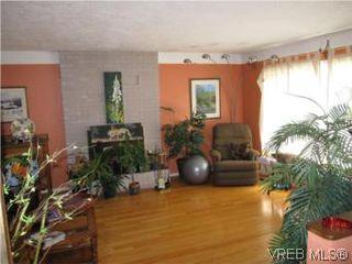 Photo 2: 7990 East Saanich Rd in SAANICHTON: CS Saanichton House for sale (Central Saanich)  : MLS®# 511308