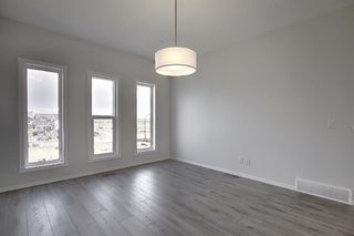 Photo 6: 212 LUCAS Manor NW in Calgary: Livingston Detached for sale : MLS®# C4288986