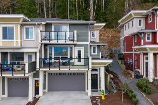 """Main Photo: 76 6026 LINDEMAN Street in Chilliwack: Promontory Townhouse for sale in """"HILLCREST LANE"""" (Sardis)  : MLS®# R2444780"""
