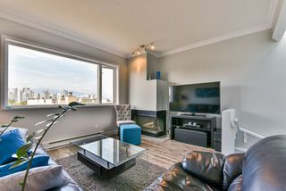 """Main Photo: 23 795 W 8TH Avenue in Vancouver: Fairview VW Townhouse for sale in """"DOVER COURT"""" (Vancouver West)  : MLS®# R2457753"""