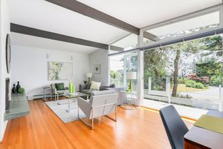 Photo 2: 4138 BURKEHILL Road in West Vancouver: Bayridge House for sale : MLS®# R2485286