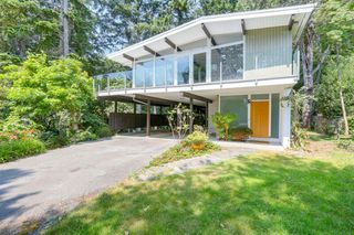 Photo 1: 4138 BURKEHILL Road in West Vancouver: Bayridge House for sale : MLS®# R2485286