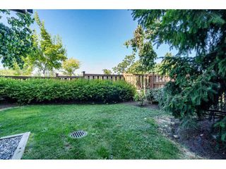 """Photo 4: 23 19433 68 Avenue in Surrey: Cloverdale BC Townhouse for sale in """"THE GROVE"""" (Cloverdale)  : MLS®# R2488742"""