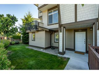 """Photo 5: 23 19433 68 Avenue in Surrey: Cloverdale BC Townhouse for sale in """"THE GROVE"""" (Cloverdale)  : MLS®# R2488742"""