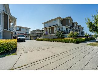 """Photo 31: 23 19433 68 Avenue in Surrey: Cloverdale BC Townhouse for sale in """"THE GROVE"""" (Cloverdale)  : MLS®# R2488742"""