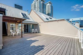 """Photo 3: 404 3 K DE K Court in New Westminster: Quay Condo for sale in """"Quayside Terrace"""" : MLS®# R2495125"""