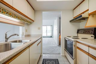 """Photo 11: 404 3 K DE K Court in New Westminster: Quay Condo for sale in """"Quayside Terrace"""" : MLS®# R2495125"""