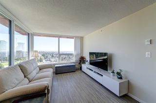 "Photo 8: 2209 6658 DOW Avenue in Burnaby: Metrotown Condo for sale in ""Moda by Polygon"" (Burnaby South)  : MLS®# R2503244"