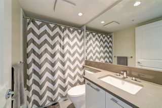 """Photo 18: 2209 6658 DOW Avenue in Burnaby: Metrotown Condo for sale in """"Moda by Polygon"""" (Burnaby South)  : MLS®# R2503244"""
