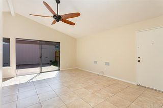 Photo 5: Townhome for sale : 3 bedrooms : 2502 Via Astuto in Carlsbad