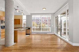 Photo 3: 106 827 Fairfield Rd in : Vi Downtown Condo for sale (Victoria)  : MLS®# 860580