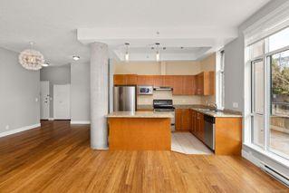Photo 10: 106 827 Fairfield Rd in : Vi Downtown Condo for sale (Victoria)  : MLS®# 860580