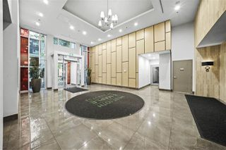 Photo 2: 801 2033 W 10TH Avenue in Vancouver: Kitsilano Condo for sale (Vancouver West)  : MLS®# R2518712