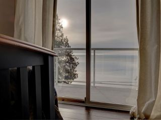 "Main Photo: 1810 OCEAN BEACH Esplanade in Gibsons: Gibsons & Area House for sale in ""Bonniebrook"" (Sunshine Coast)  : MLS®# R2519828"