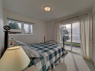 "Photo 30: 1810 OCEAN BEACH Esplanade in Gibsons: Gibsons & Area House for sale in ""Bonniebrook"" (Sunshine Coast)  : MLS®# R2519828"