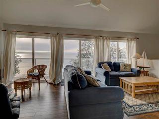 "Photo 13: 1810 OCEAN BEACH Esplanade in Gibsons: Gibsons & Area House for sale in ""Bonniebrook"" (Sunshine Coast)  : MLS®# R2519828"