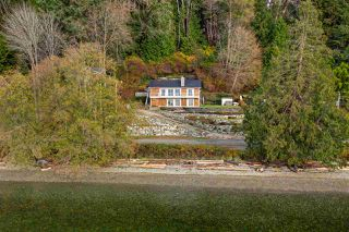 "Photo 32: 1810 OCEAN BEACH Esplanade in Gibsons: Gibsons & Area House for sale in ""Bonniebrook"" (Sunshine Coast)  : MLS®# R2519828"
